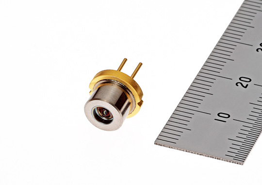 High-power 638-nm-wavelength red laser diode with build-in lens (ML562H84)