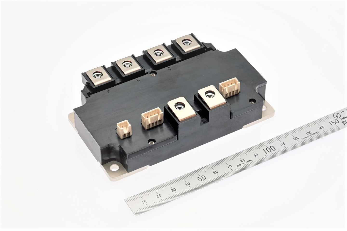 1200V/600A, 800A 2 in 1 1700V/300A 2 in 1, chopper RTC circuit embedded